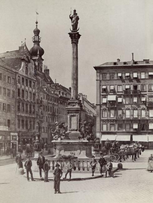 Marienplatz Mariensäule und Droschkenstandplatz 1890