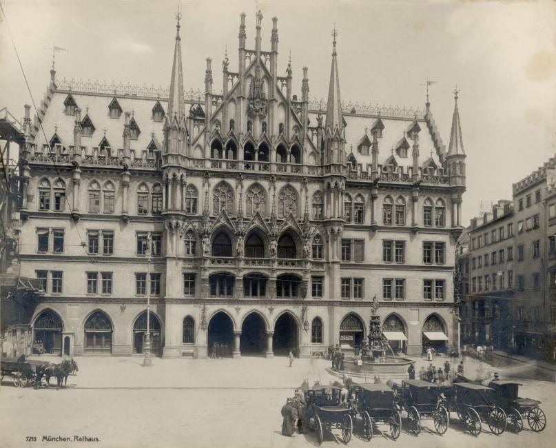 Marienplatz erster Bauabschnitt neues Rathaus 1906